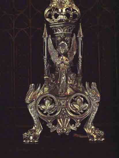 Interieur-Kerk Detail van een zilveren kandelaar<br><br> 0260_Urbanuskerk_Bovenkerk_2429ps.jpg
