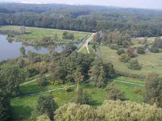Uitzicht-Toren Het Zwarte Pad met Kippebruggetje,<br>toegangsweg naar het Amsterdamse Bos<br><br> 2580_Uitzicht_vanaf_Urbanustoren_2395.jpg
