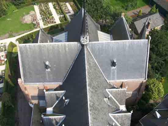 Uitzicht-Toren Het dak van de Urbanus kerk<br><br> 2600_Uitzicht_vanaf_Urbanustoren_2402.jpg