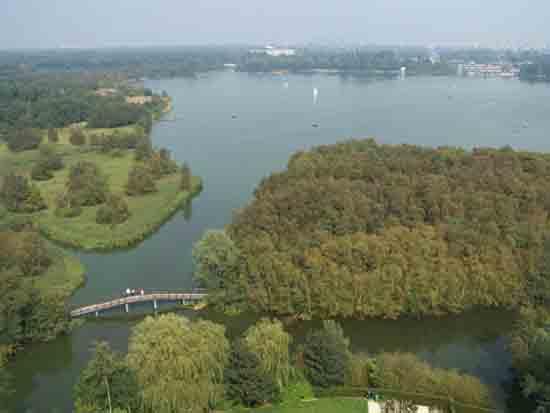 Uitzicht-Toren Uitzicht vanaf de toren op de Amstelveense Poel<br><br> 2610_Uitzicht_vanaf_Urbanustoren_2403.jpg