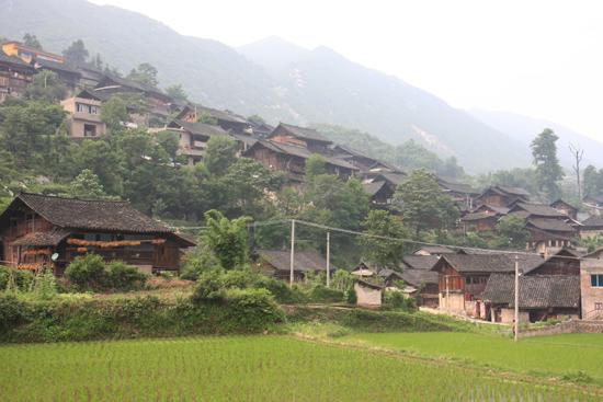 Shiqiao Dorp gelegen op de berghelling<br><br> 0320_1379.jpg