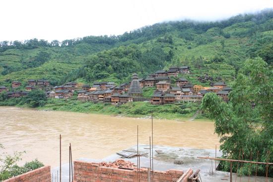 Rongjiang Dorp aan de rivier<br><br> 0930_1785.jpg