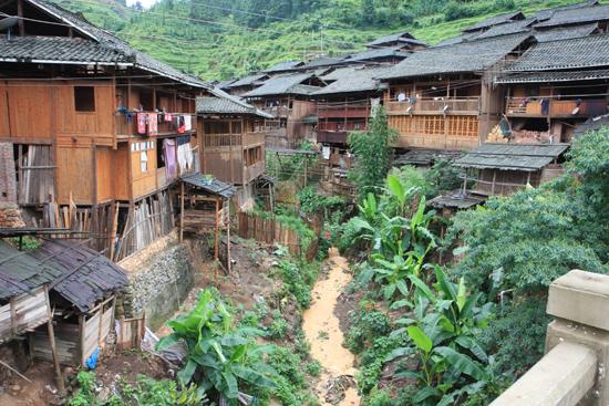 Rongjiang Dorp aan de rivier<br><br> 0950_1793.jpg