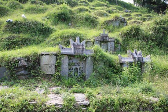 Tang_An Oude graven in de berghellingen rondom Tang An Dong village<br><br> 1090_1875.jpg