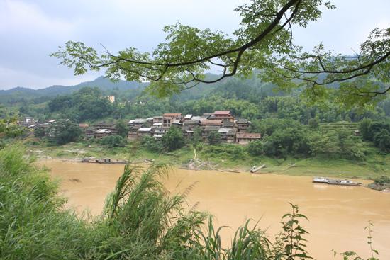 Chengyang Dong dorp aan de rivier<br><br> 1390_2063.jpg