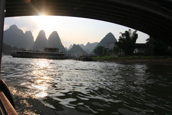 Yangshuo1 Einde van de bootreis op de Li-rivier<br><br> 2060_2657.jpg