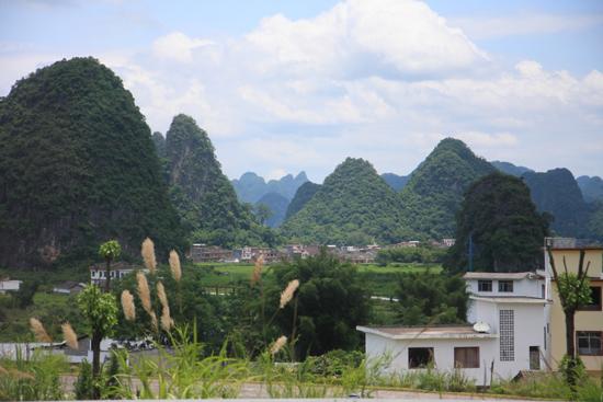 Yangshuo2 Karstbergen rondom Yangshuo<br><br> 2230_3012.jpg