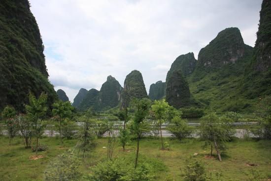 Yangshuo2 Karstbergen rondom Yangshuo<br><br> 2260_3087.jpg