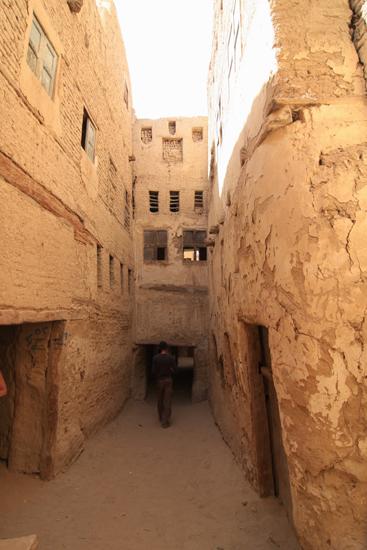 Dakhla Al-Qasr bij Dakhla Oasis<br>Een oud Ottomaans stadje gebouwd in 1516-1798 0970-Al-Qasr-near-Dakhla-Oasis-2867.jpg