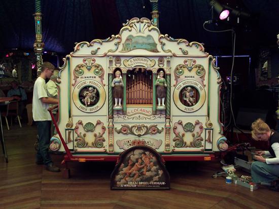 Stadsfeest2004 Hoorn<br>Stadsfeest met draaiorgels 1613-Hoorn-straatorgels.jpg
