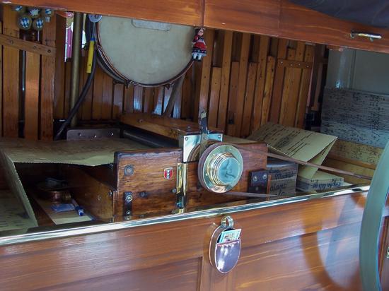 Stadsfeest2004 Hoorn<br>Stadsfeest met draaiorgels<br>Het mechanische hart 1623-Hoorn-straatorgels.jpg