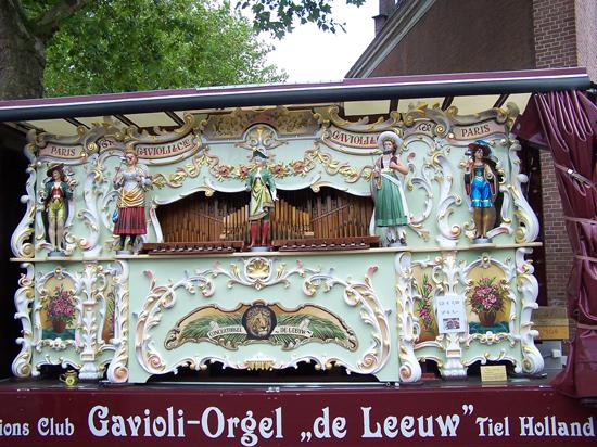 Stadsfeest2004 Hoorn<br>Stadsfeest met draaiorgels 1650-Hoorn-straatorgels.jpg