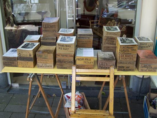 Stadsfeest2004 Hoorn<br>Stadsfeest met draaiorgels<br>De draaiboeken 1651-Hoorn-straatorgels.jpg
