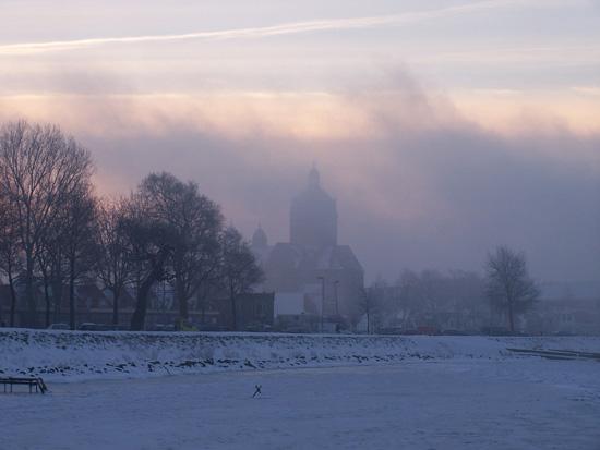 Min12 Zonsopgang met mist vanaf IJsselmeer 220_4886.jpg