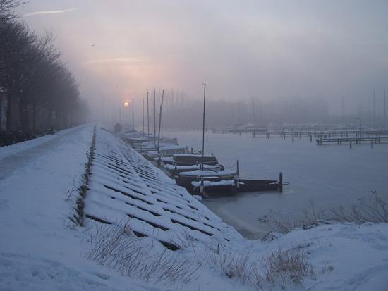Min12 Zonsopgang met mist vanaf IJsselmeer 230_4887.jpg