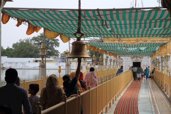 Amritsar2 Toegang tot deze kleine maar zeer mooie Sikh tempel<br><br> 0250-Amritsar-Durgiana-tempel-2515.jpg