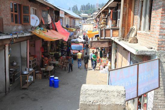 Pahalgam2 Pahalgam centrum<br><br> 0750-Pahalgam-Kashmir-2994.jpg