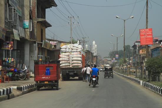 Srinagar1 Vlakbij Srinagar <br><br> 0810-naar-Srinagar-Kashmir-3042.jpg
