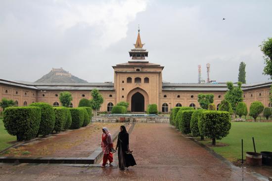 Srinagar2 Jama Masjid Moskee<br>in het centrum van Srinagar<br><br> 1180-Jam-Masjid-Srinagar-3373.jpg