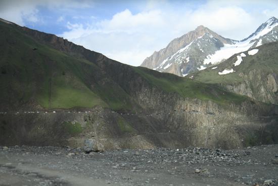 Zoji-La Zoji La Pass (3529m)<br>Een natuurlijke grens tussen het groene Kashmir en het kale Ladakh<br><br> 1550-Zoji-La-Pass-Kashmir-Ladakh-3684.jpg