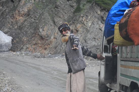 Zoji-La Rustig aan svp, safety first<br><br> 1600-Zoji-La-Pass-Kashmir-Ladakh-3705.jpg