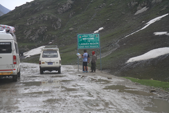 Zoji-La Welkom in Ladakh !<br><br> 1700-Zoji-La-Pass-Kashmir-Ladakh-3751.jpg
