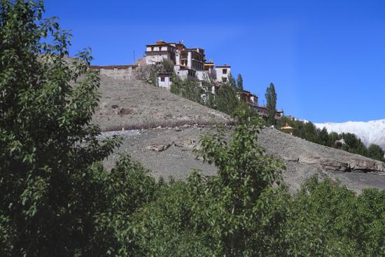 Matho Matho klooster hoog op een berg bij Leh<br><br> 3370-Matho-klooster-Ladakh-4865.jpg
