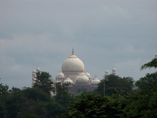 Agra Taj Mahal gezien vanaf het Agra-fort 100_3981.jpg