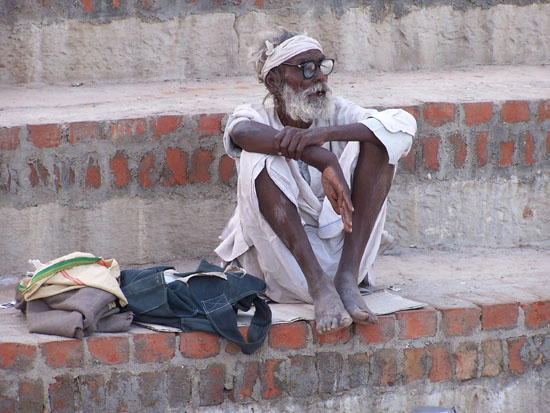 Varanasi1 Relaxen op de Ghats 100_4324.jpg