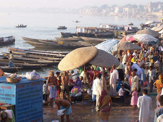 Varanasi1 Opnames op 2e dag vlak na zonsopgangen dus meer serene sfeer en mooi licht  100_4361.jpg