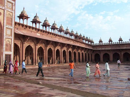 Fatehpursikri Buland DarwazaEen van de prachtige binnenplaatsen van Fatehpur Sikri Buland-Darwaza-Fatehpur-Sikri_3862.jpg