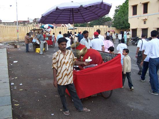 Jaipur IJsco-man in Jaipur IJscoman-Jaipur-Indai_3742.jpg