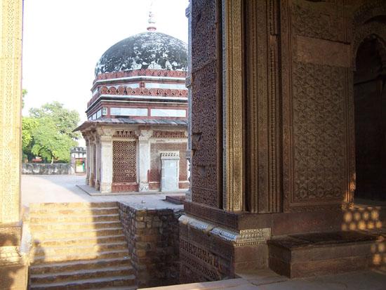 Delhi  Qutab-Minar-Complex-Delhi_2527.jpg