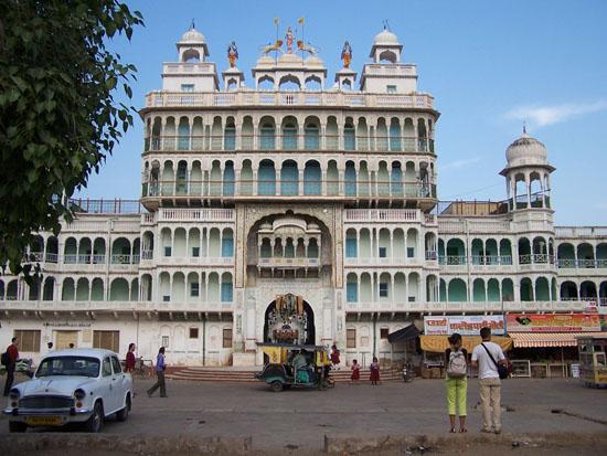 Naarmahansar Rani Sati Jain tempel in Jhunjhunu Rani-Sati-Jain-Tempel-Jhunjhunu_2607.jpg