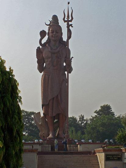 Naarmahansar Enorm bronzen Shiva beeld even buiten Delhi Shiva-beeld-Delhi_2573.jpg