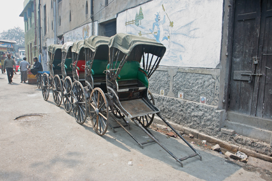 Kolkata2 Kolkata is the last town in India with human-powered rickshaws Kolkata is de laatste stad in India met loopriksja's 1680_3106.jpg