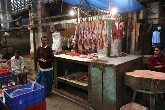 Kolkata2 Butcher at New Market Calcutta Slager op New Market Kolkata 1740_3157.jpg