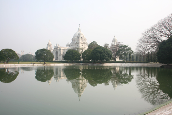Kolkata2 Victoria Memorial HallOne of my favorite pictures Victoria Memorial Hall in CalcuttaEen van mijn favoriete opnames 1810_3200.jpg