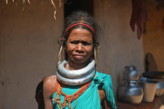 Adivasi-Tour7 Ghadaba womanWe saw her already yesterday at the market in Sogura Ghadaba vrouw in haar eigen dorpWe zagen haar al eerder op de markt van Sogura 3160_5363.jpg