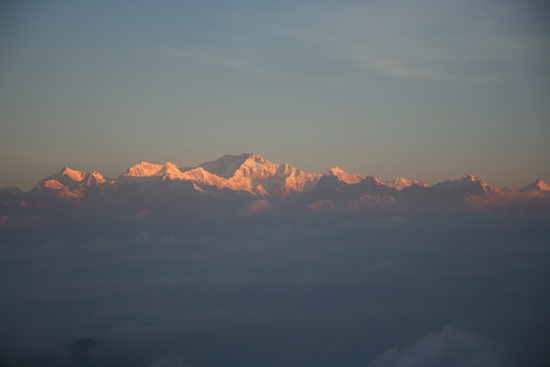 Darjeeling Kanchenjunga (8598 m)<br>Tiger Hill - Darjeeling<br>Spectaculaire Himalaya horizon tijdens zonsopgang<br><br> 0050_3352.jpg