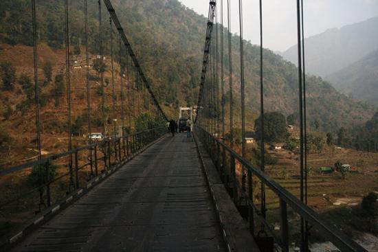 Tashiding Hangbrug over de Rathang River in de Himalaya<br><br> 0440_3647.jpg