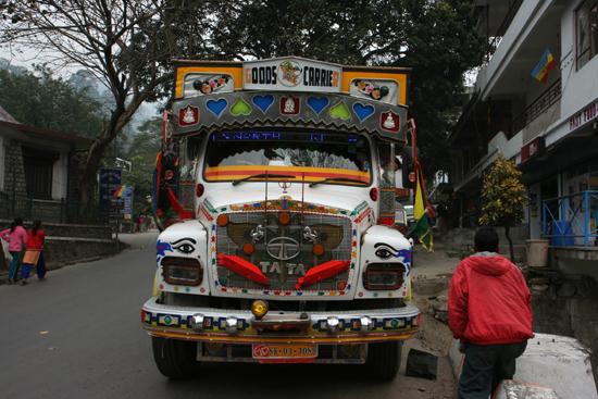 Kalimpong Schitterend uitgedoste truck<br><br> 1130_4043.jpg