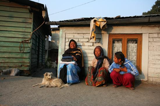 Kalimpong Streetlife - Kalimpong<br>Genieten van de laatste zonnestralen<br><br> 1230_4125.jpg