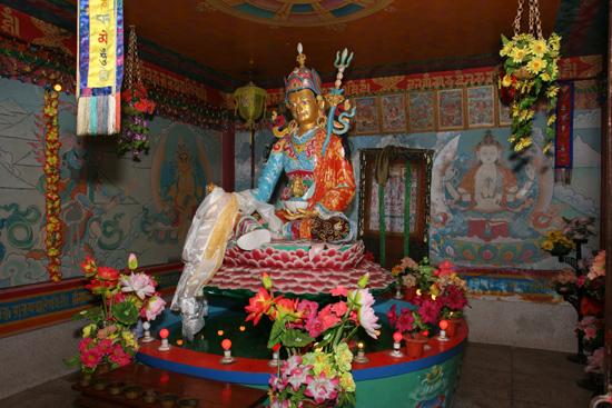 Siliguri Tashi Gomang Stupa in Salugara<br><br> 1390_4251.jpg
