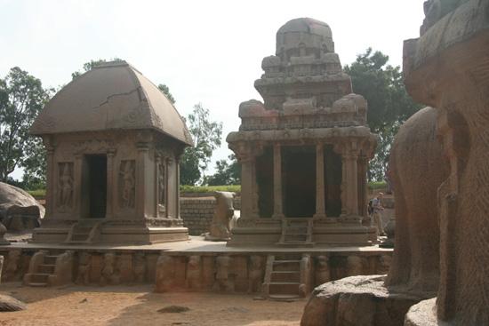 Mamallapuram De onderste trappen zijn blootgelegd IMG_6348.jpg