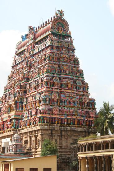 Tiruchirappalli Drukbewerkte tempeltoren, IMG_6436.jpg