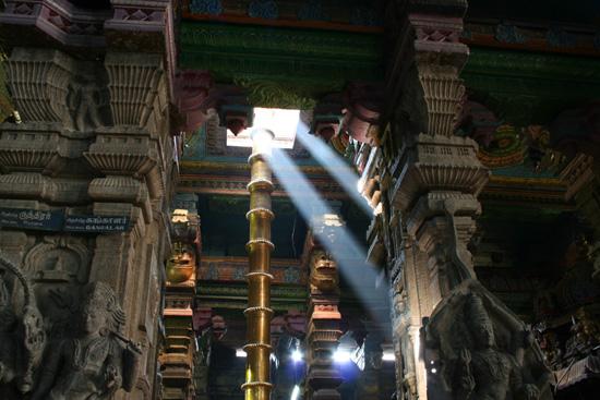 Madurai Deze lichtbundels konden niet over het hoofd worden gezien IMG_6651.jpg