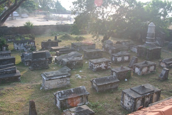 Cochin Nederlandse begraafplaats IMG_7454.jpg