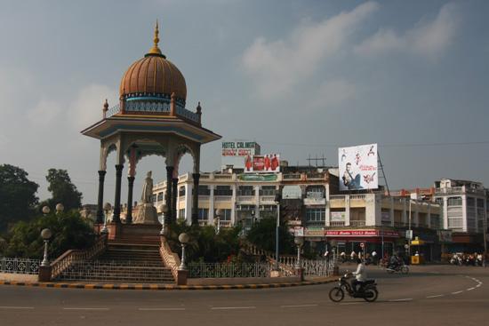 Mysore Fraaie rotonde in Mysore IMG_8067.jpg
