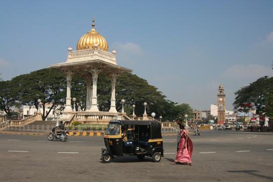 Mysore Prachtige rotonde IMG_8146.jpg
